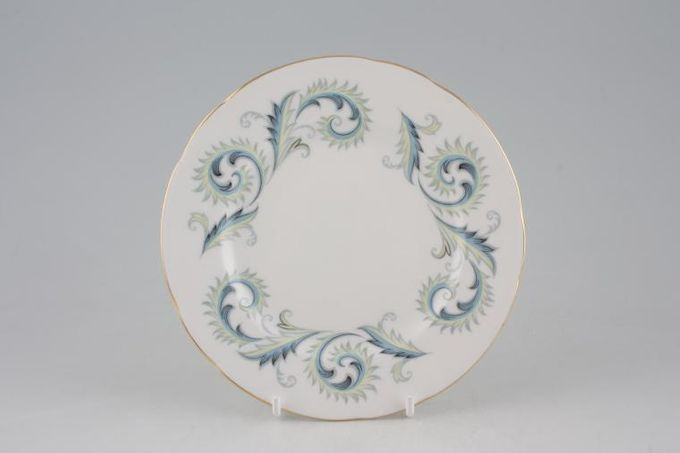 Royal Standard Garland Tea / Side / Bread & Butter Plate Wavy 6 1/4""