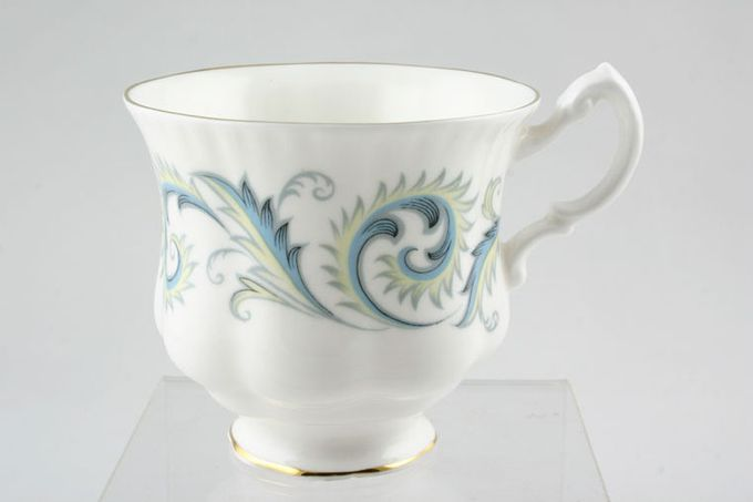 Royal Standard Garland Teacup Montrose Shape 3 3/8 x 3""