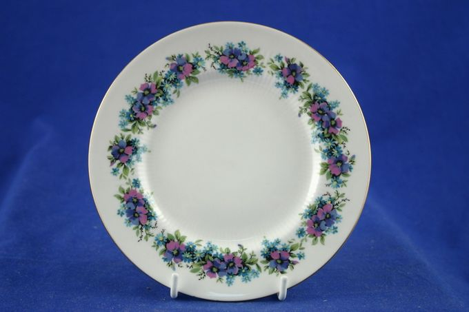 Royal Standard Carnival Tea / Side / Bread & Butter Plate 6 1/8""