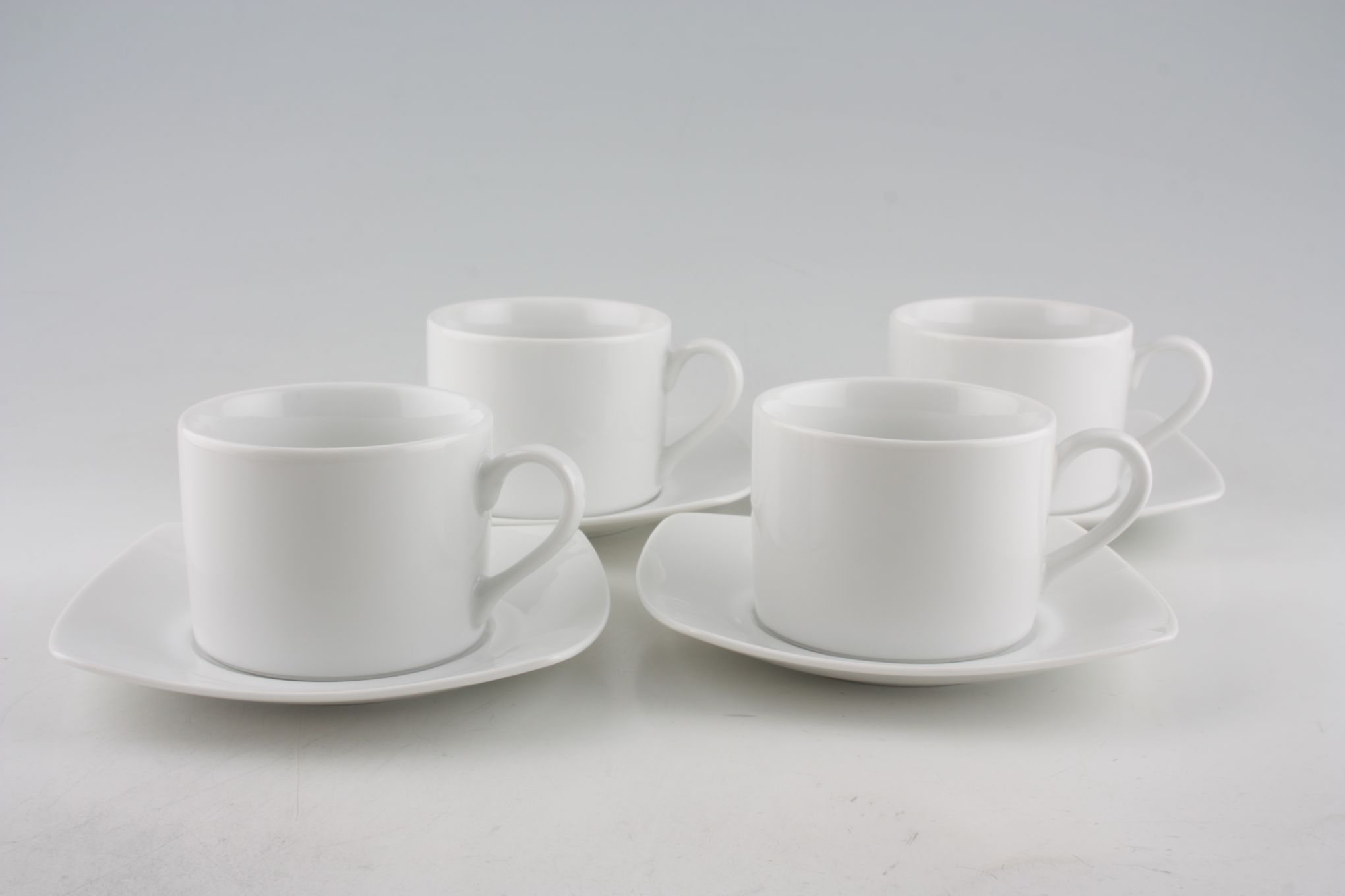 Royal Worcester Classic White - Classics Set (Tea) 4 x Straight sided Teacups and 4 x Square Saucers thumb 1