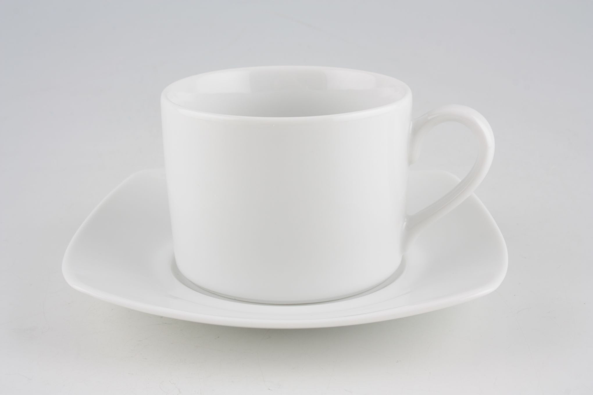 Royal Worcester Classic White - Classics Set (Tea) 4 x Straight sided Teacups and 4 x Square Saucers thumb 2