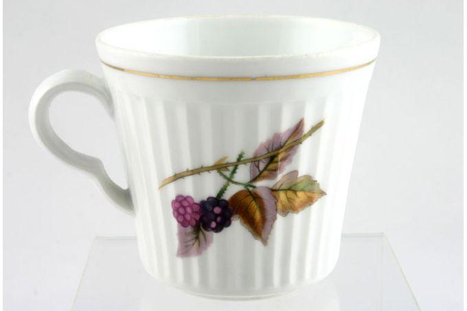 "Royal Worcester Evesham - Ribbed - Gold edge Teacup 3 3/8 x 3"""