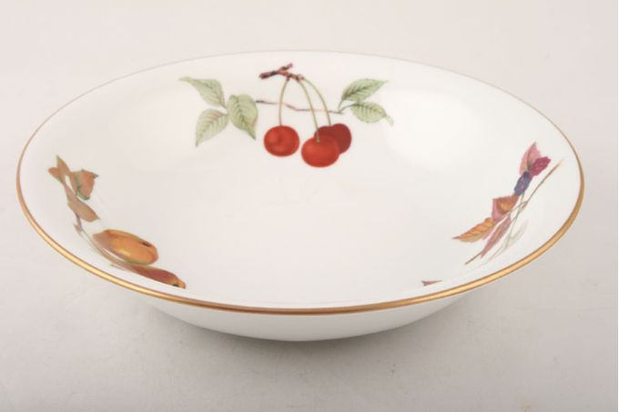 Royal Worcester Evesham - Gold Edge Oatmeal / Cereal / Soup Cherry, Blackberry, Pear 8 1/4""