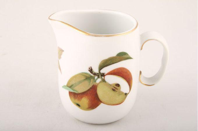 Royal Worcester Evesham - Gold Edge Cream Jug Severn - Apple 1/4pt