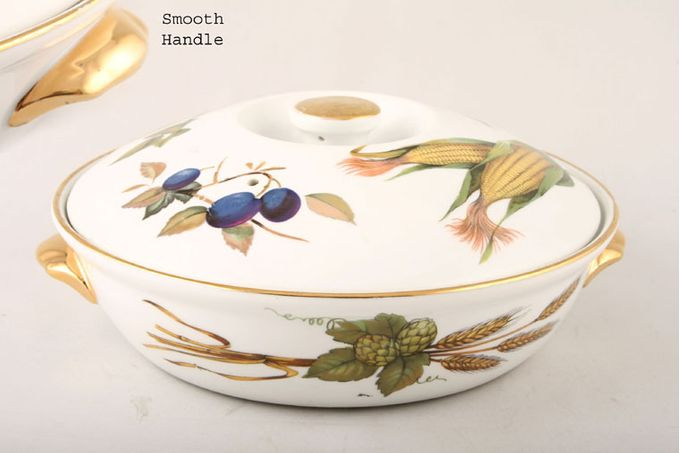 Royal Worcester Evesham - Gold Edge Casserole Dish + Lid Round, Shape 22, Size 3, Smooth handles, Knob on the lid 1 1/2pt