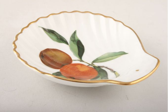 """Royal Worcester Evesham - Gold Edge Dish (Giftware) Individual Scallop Shell / Shallow - Oranges 4 3/4"""""""
