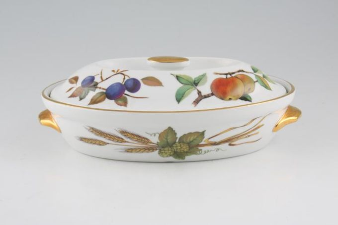 Royal Worcester Evesham - Gold Edge Casserole Dish + Lid Oval, Shape 21, Size 3, Smooth handles, Knob on the lid 1pt