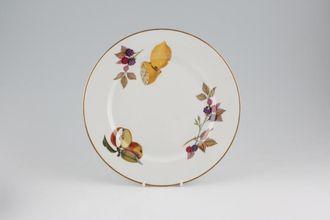 Royal Worcester Evesham   Gold Edge Breakfast / Salad / Luncheon Plate  Apple, Blackberry,