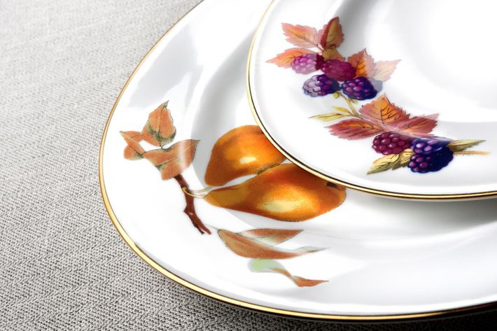 Royal Worcester Evesham - Gold Edge