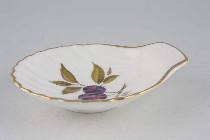 Royal Worcester Evesham - Gold Edge Dish (Giftware) Individual Scallop Shell - Plums 4 3/4""