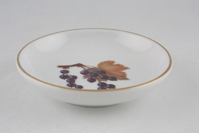 Royal Worcester Evesham - Gold Edge Butter Pat Blackcurrant Made Abroad 3 7/8""