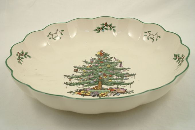 """Spode Christmas Tree Serving Dish round, fluted 9 3/4"""""""