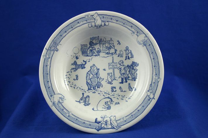 Spode Winnie The Pooh - Classic Pooh Discovery