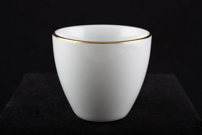 Thomas Medaillon Gold Band - White with Thin Gold Line Egg Cup 2 x 1 3/4""