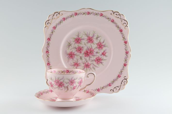 Tuscan + Royal Tuscan Love In The Mist - pink background, pink flowers