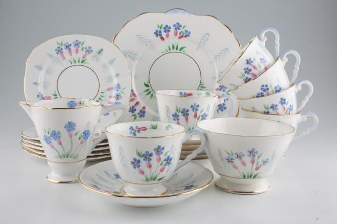 Vintage China Vintage Tea Tea Set V40 - Vintage Tea Set for 6, including Milk Jug, Sugar Bowl and Cake Plate