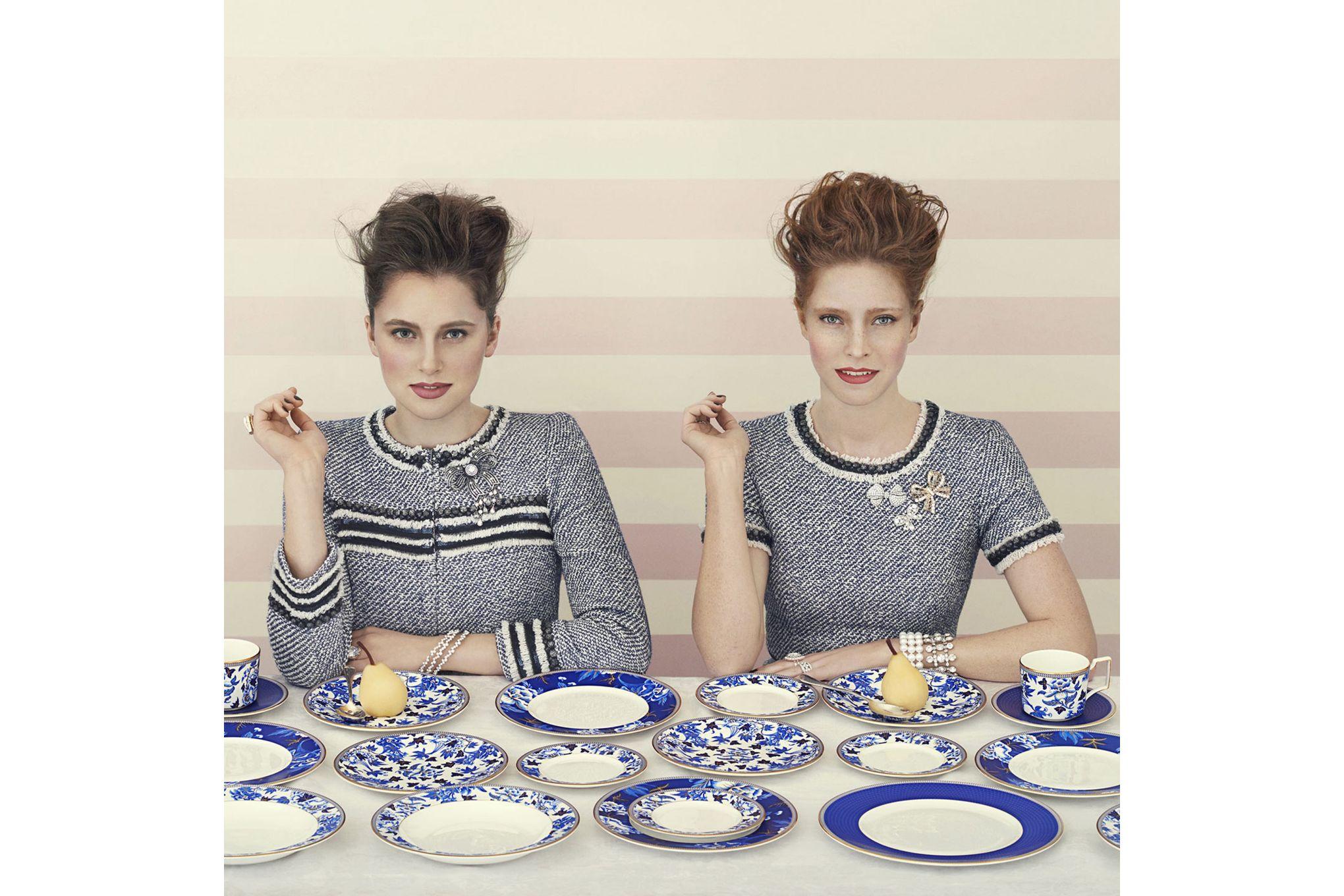 Wedgwood Hibiscus Dinner Plate Blue 27cm thumb 2