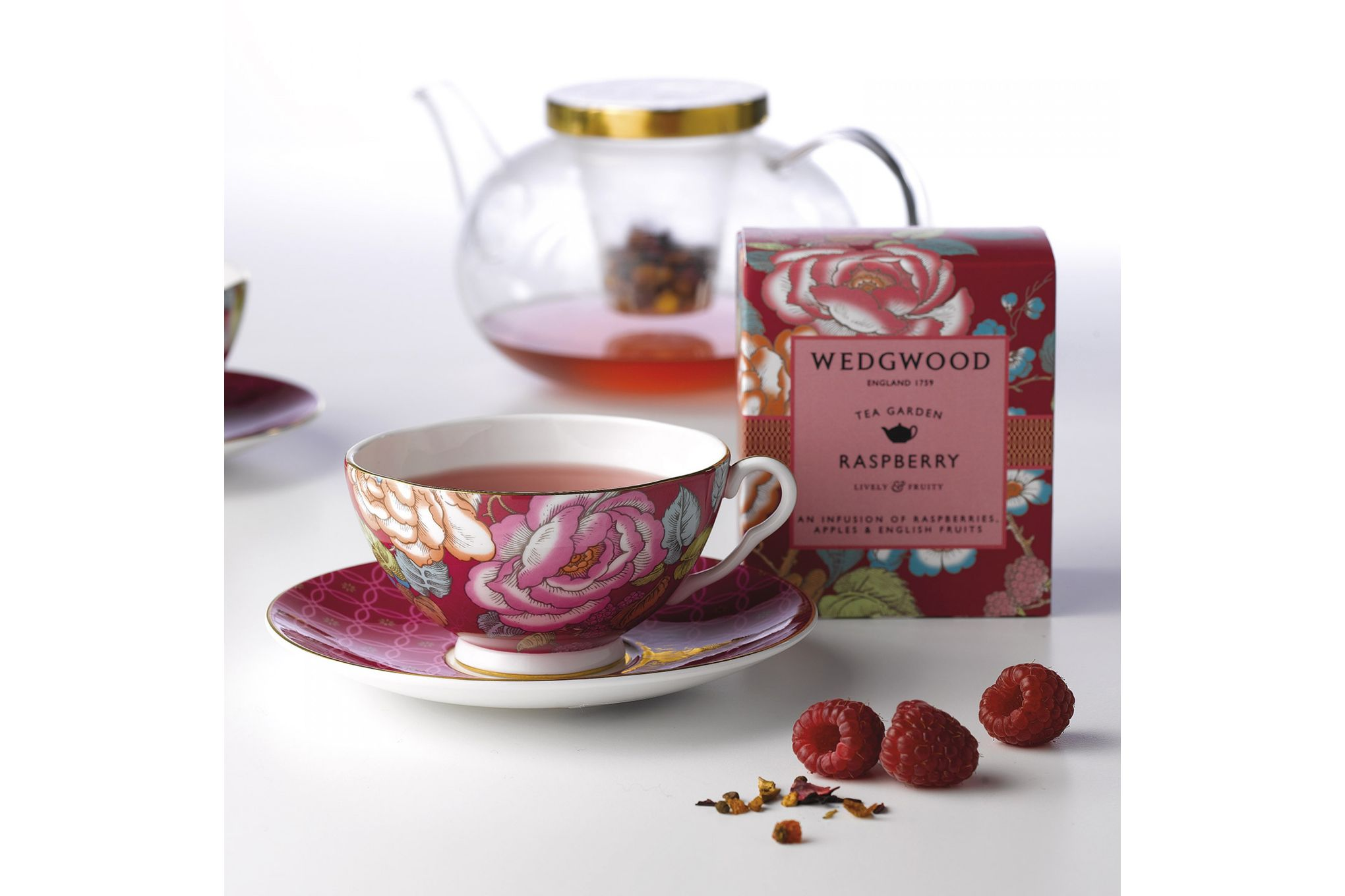 Wedgwood Tea Garden 3 Piece Set Plate 21cm, Teacup & Saucer Raspberry thumb 2