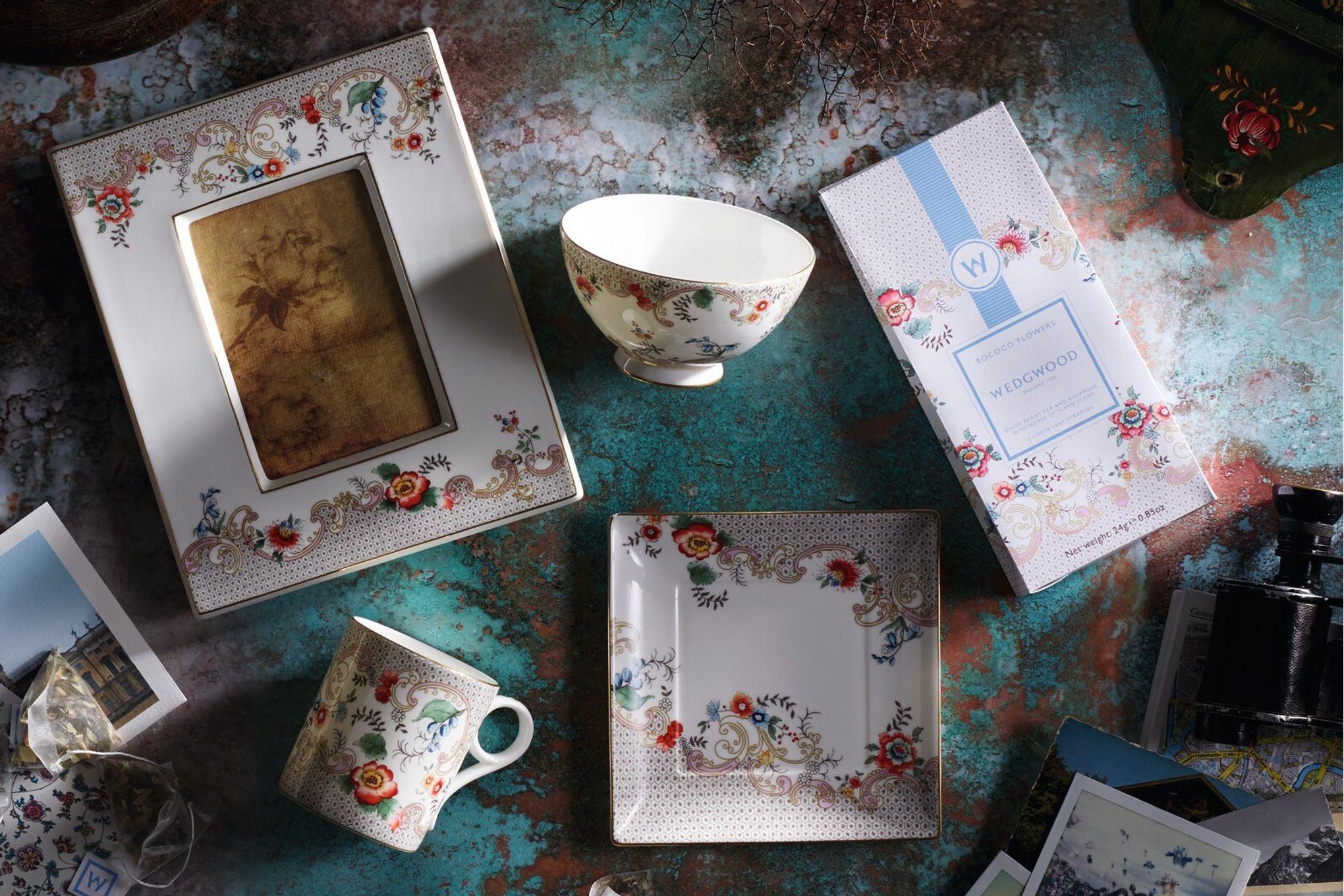Wedgwood Wonderlust Keyring Rococo Flowers - Boxed thumb 3