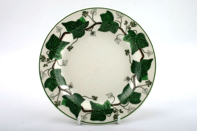 Wedgwood Napoleon Ivy - Green Edge Breakfast / Salad / Luncheon Plate Dipped and raised rim 9""