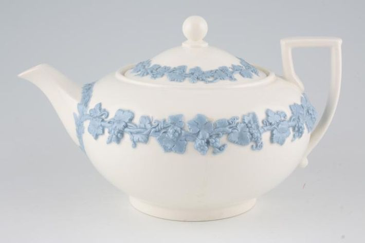 Wedgwood Queen's Ware - Lavender on Cream Colour