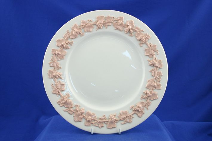 Wedgwood Queen's Ware - Pink Vine on White - Plain Edge