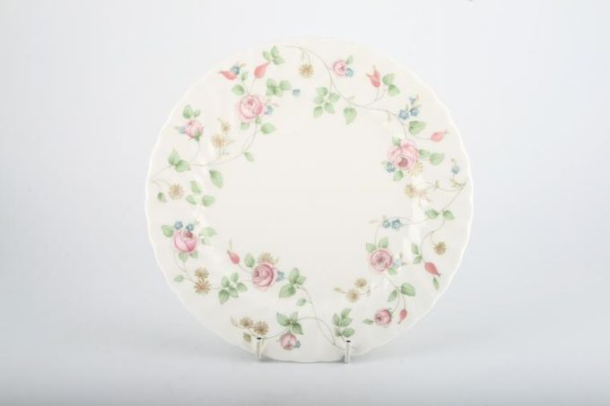 "Wedgwood Rosehip Breakfast / Salad / Luncheon Plate 8 5/8"""