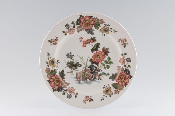Wedgwood Eastern Flowers - Plain Edge Breakfast / Salad / Luncheon Plate 9 1/4""