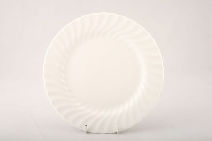 Wedgwood Candlelight Breakfast / Salad / Luncheon Plate Sizes may vary slightly 8 5/8""